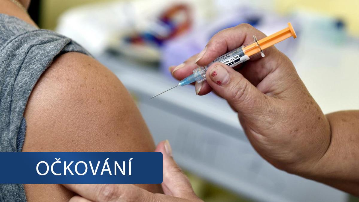 Praktici si otevřeným dopisem stěžují na nedostatek vakcín. Kraj prý upřednostňuje očkovací centra