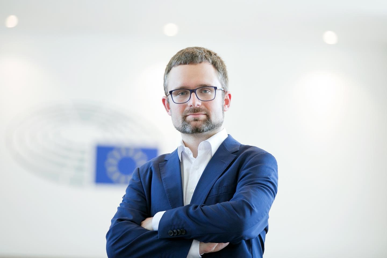 Andrej Babiš je oligarcha a mafián zaznělo na plénu zasedání Evropského parlamentu, podle Peksy přišla Unie o důvěru