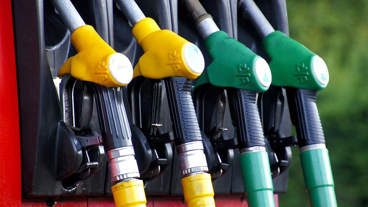 Růst cen pokračuje, dražší budou nejen služby. Nejlevnější benzín a nafta se stále tankuje v Ústeckém kraji