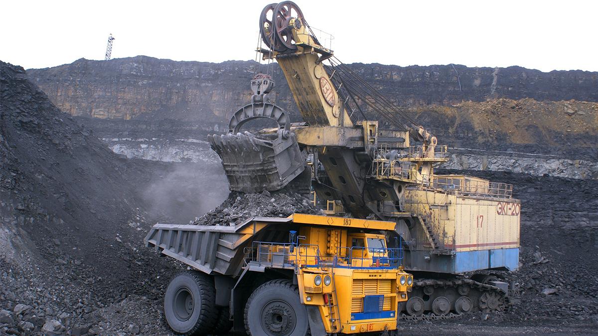 Rychlovka: aktivisté požadují konec uhlí, obsadily rypadla, práce stojí!