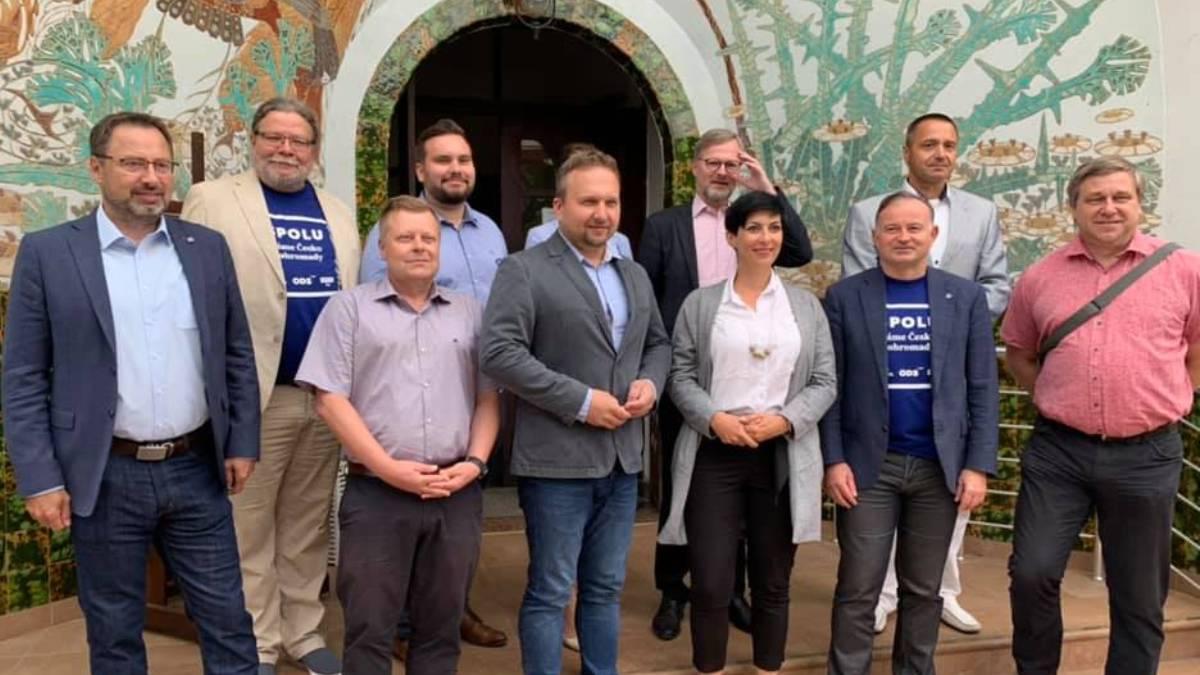 Zaměřeno na kampaň: SPOLU vyšly mezi voliče, akci zakončily posezením v Litoměřicích
