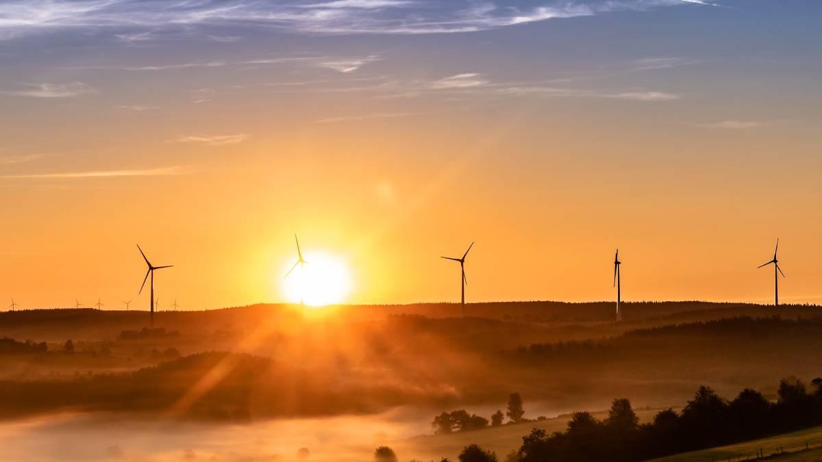 Koalice SPOLU: energie ze Slunce a v bateriích. Krejza vidí budoucnost i v geotermální energii