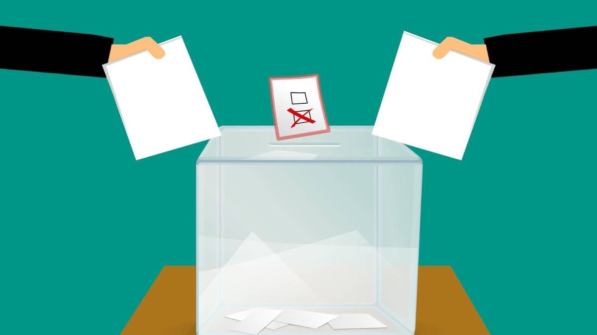 Žádná změna: v čele průzkumů je stále ANO, mimo Sněmovnu byl skončil Šlachta a ČSSD