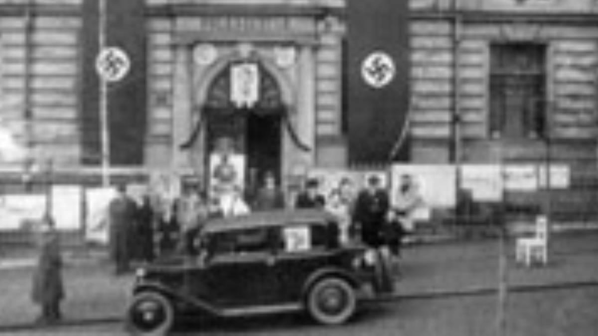 """""""123 statečných"""". Ostatní obyvatelé vyjádřili souhlas s připojením k německé říši, město Ústí obsadil wehrmacht bez boje"""
